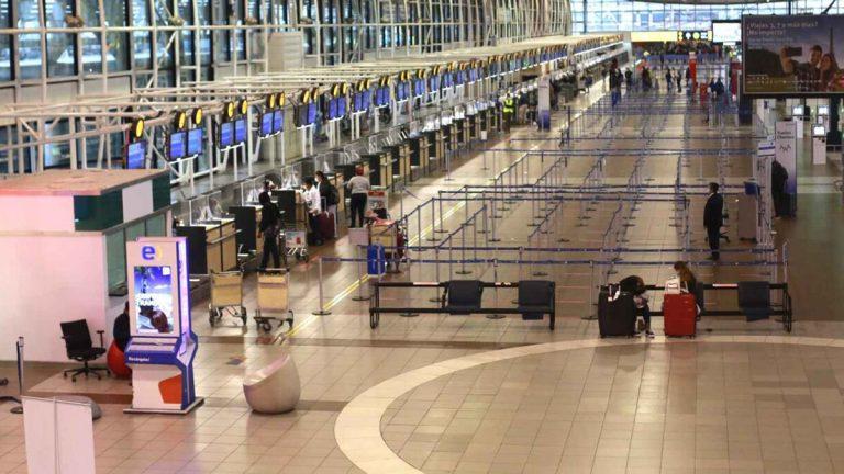 Baja Actividad En El Aeropuerto De Santiago Tras Hacerse Efectivo El Cierre De Fronteras