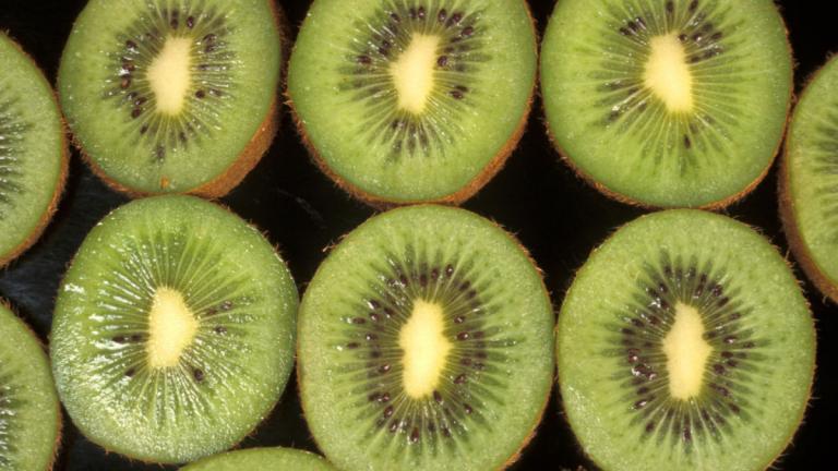 Beneficios del kiwi: ¿Cuáles son y cuántas calorías tiene?
