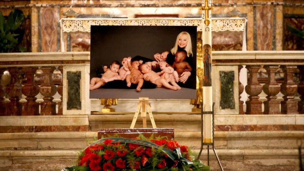 Funeral De Rafaella Carrà