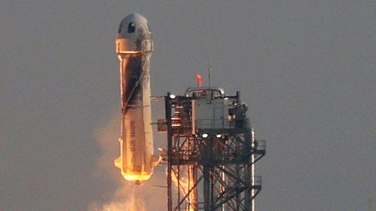 Jeff Bezos Partió Al Espacio