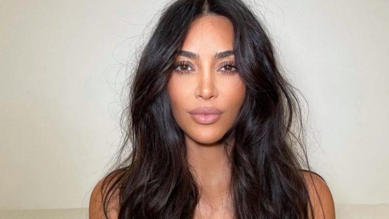 Kim Kardashian sin ojeras