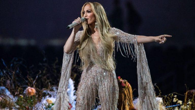 La Rutina De Jennifer Lopez Para Tener Un Abdomen Tonificado