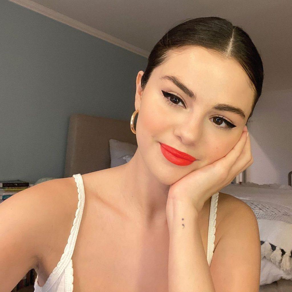 Selena Gomez Y Su Marca Rare Beauty