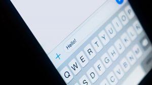 Solo debes escribir Hello en el chatbot de Tokio 2020 para WhatsApp