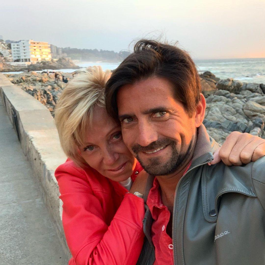 Felix Ureta Y Raquel Argandoña En Escapada De Playa