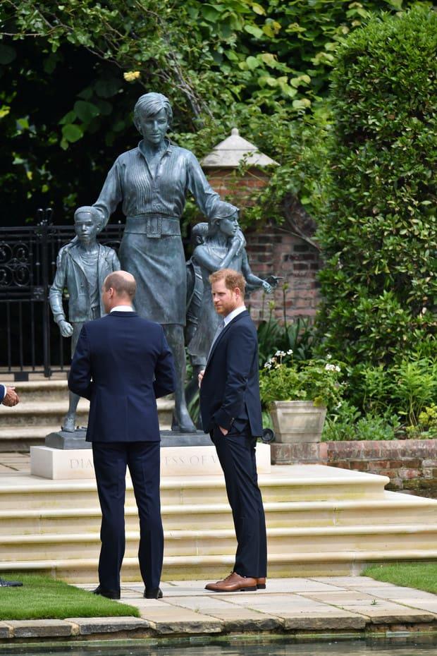 William Y Harry Estatua Princesa Diana