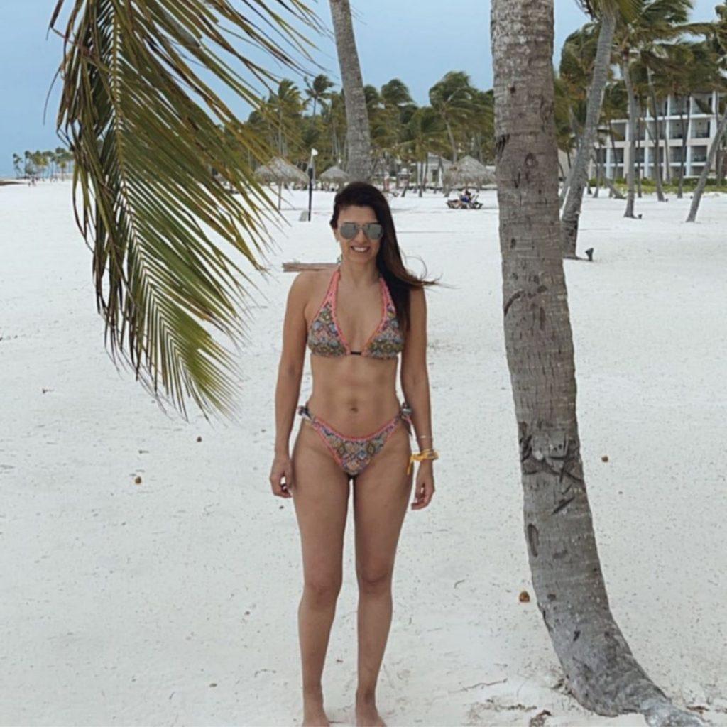 Ivette En Bikini