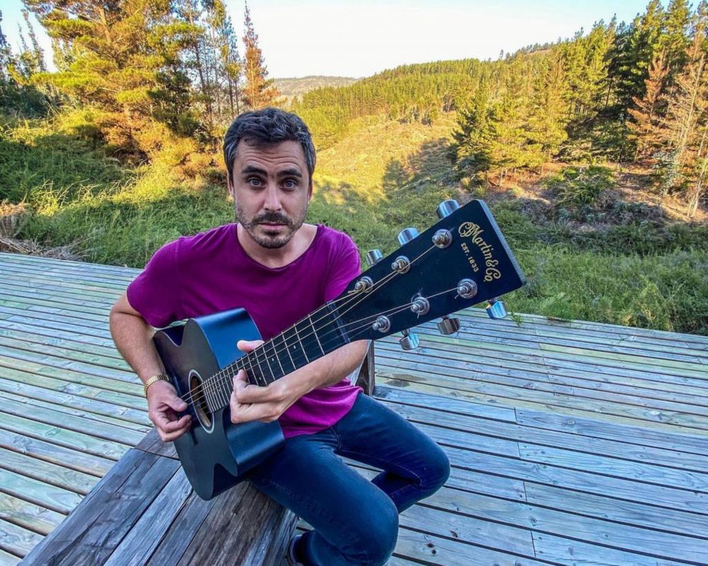 Nico Oyarzún Y Su Banda De Música