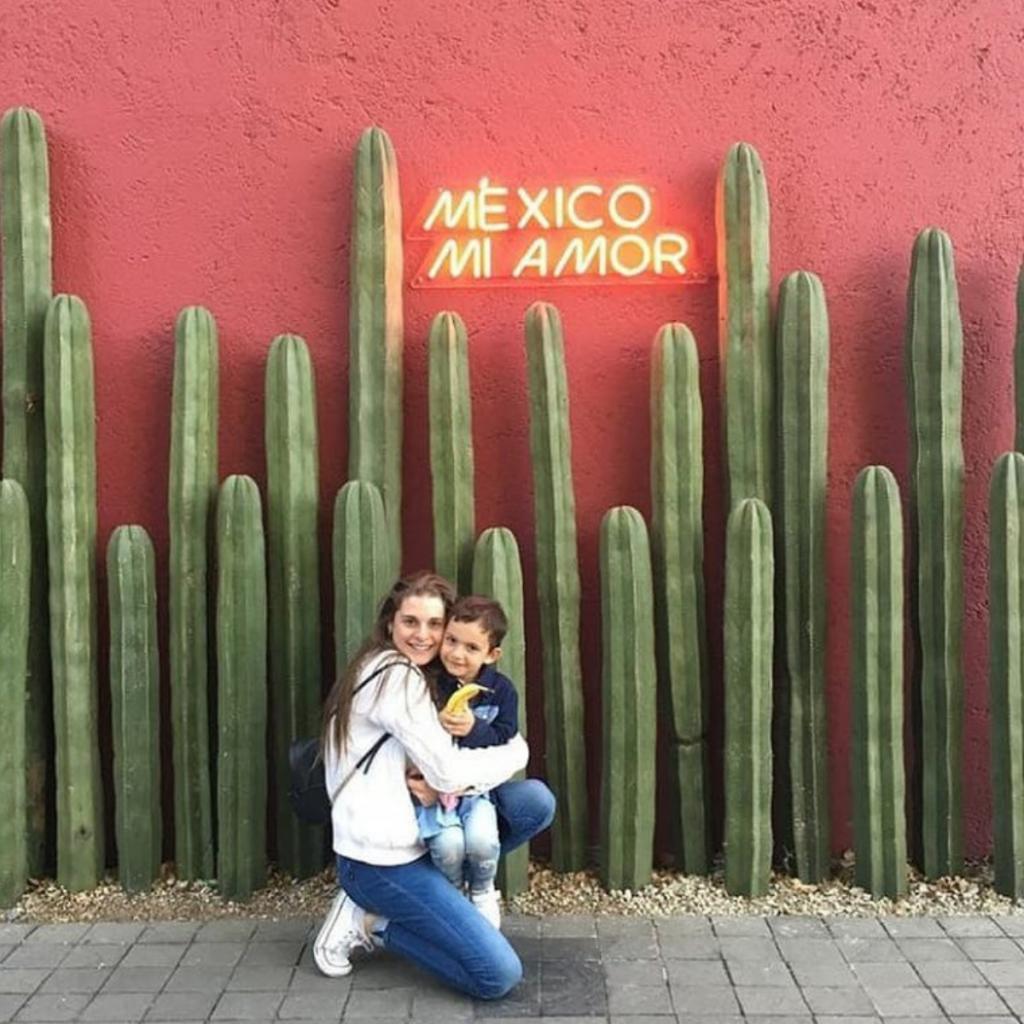 Tanza Y Su Hijo En México