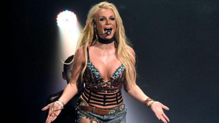 Britney Spears Topples