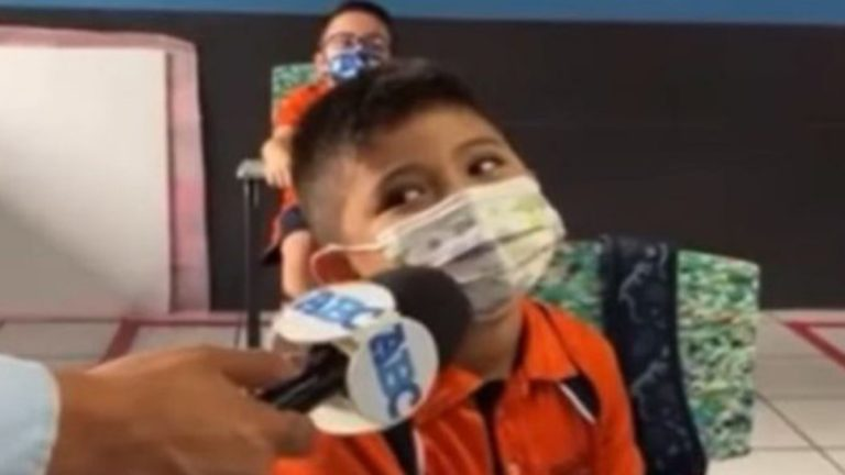 Niño Viral En Facebook