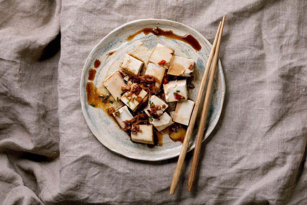 Tofu alimentos para ayudar el fortalecimiento de los huesos