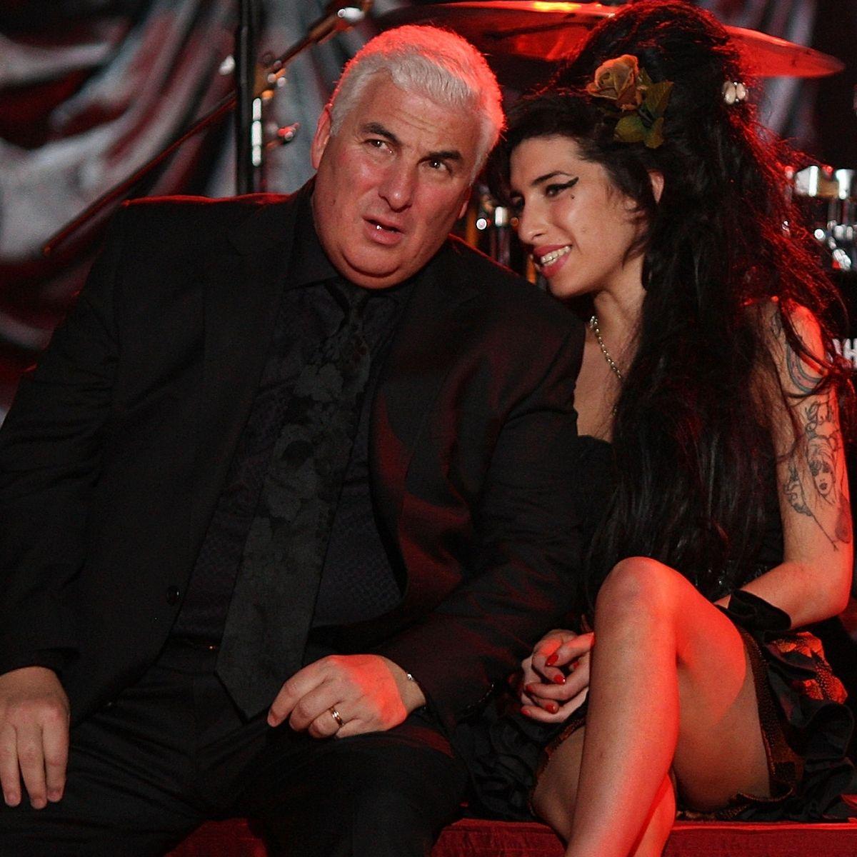 Subastan Amy Winehouse (3)